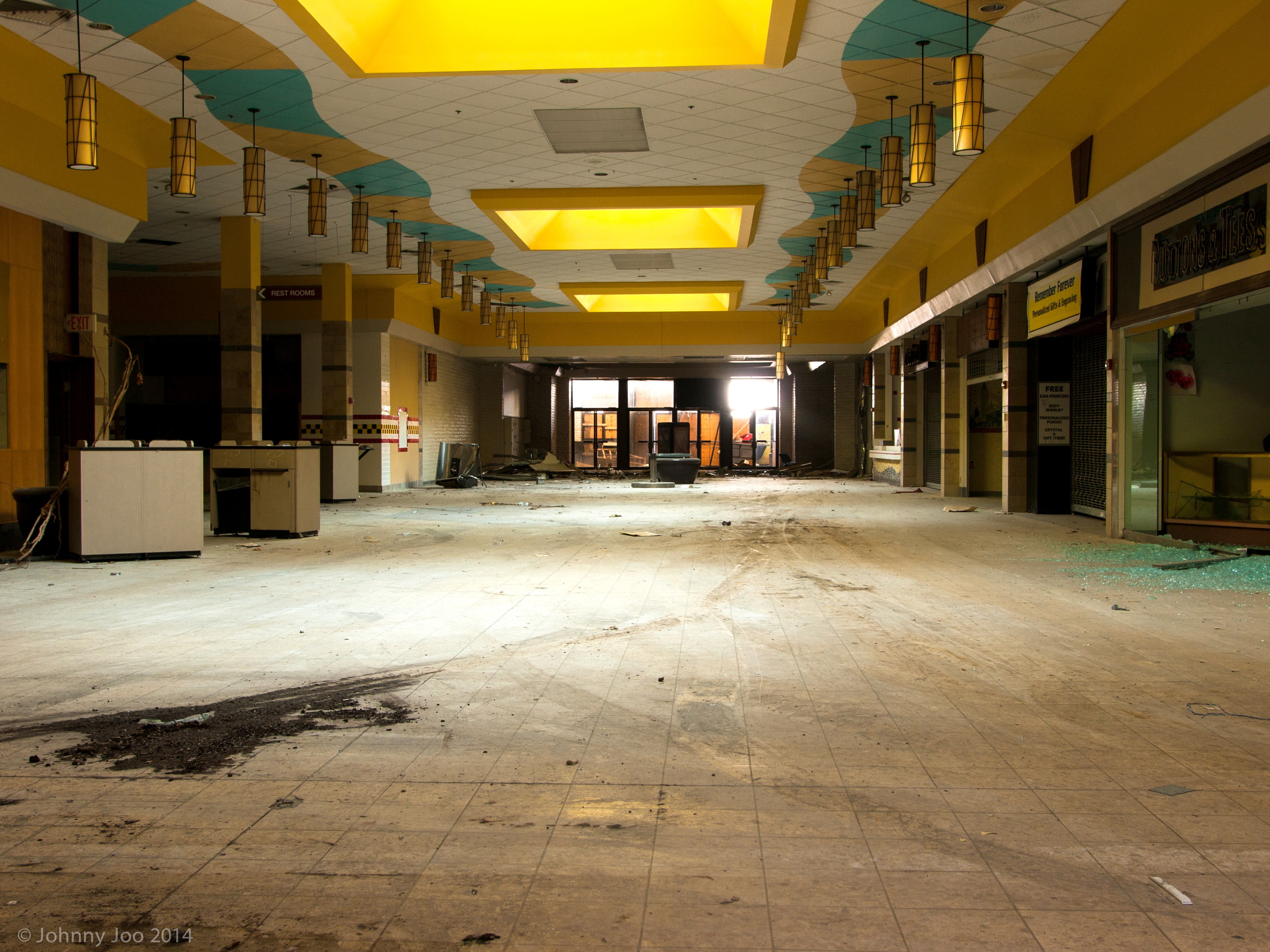 Labelscar: The Retail History BlogRandall Park Mall; North ... |Randall Park Mall 2013
